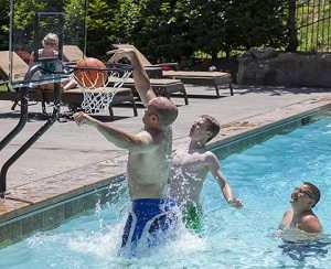 sr smith water basketball game